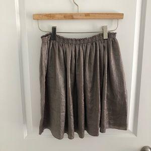 Shinny beige / grey skirt